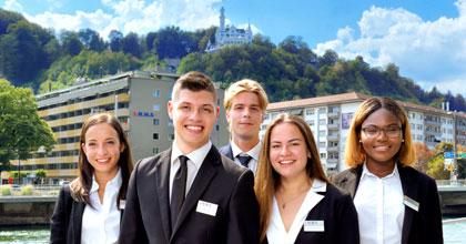 Studier i Schweiz med 18 månaders betald praktik